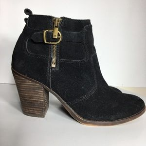 Lucky Brand suede chunky heel boot. Size 9.5.